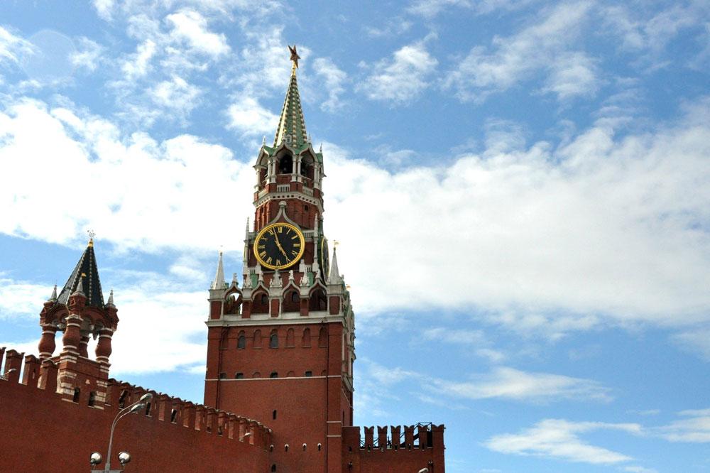 Президент России подписал закон о сокращении налоговой отчетности по имущественным налогам организаций