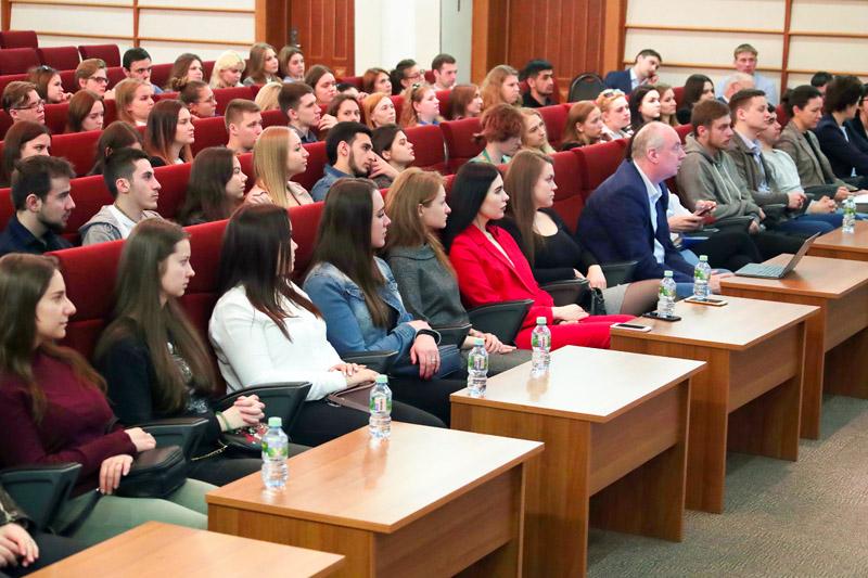 Студентам РГСУ рассказали о цифровых проектах ФНС России на Дне открытых дверей