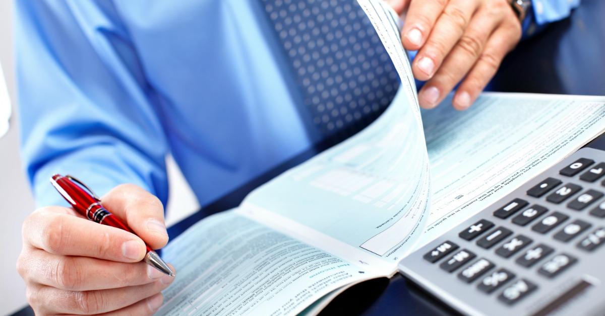 Физические лица — резиденты РФ должны отчитаться о движении средств по зарубежным счетам за 2018 год до 1 июня 2019 года