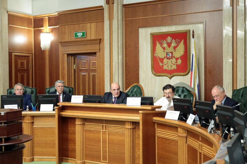 Михаил Мишустин принял участие в заседании Общественного совета при ФНС России