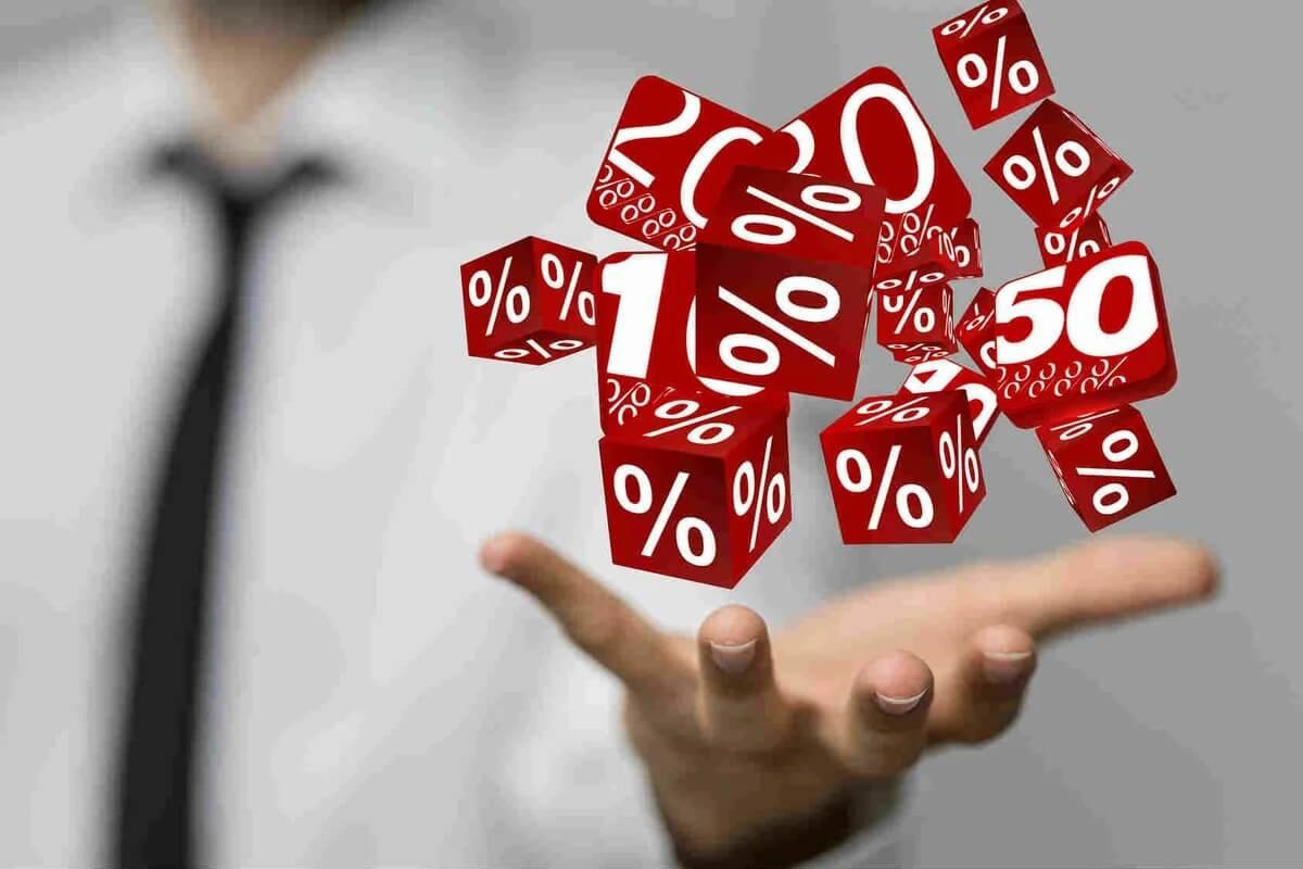 Разъяснен порядок определения МРОТ при расчете страховых взносов по пониженным тарифам для субъектов МСП